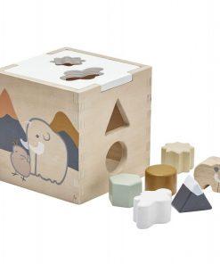 Caja de encaje con piezas de madera.